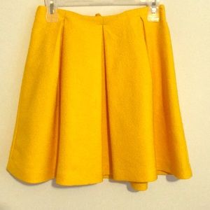 H&M Canary Yellow Pleated Skirt (Size 4)